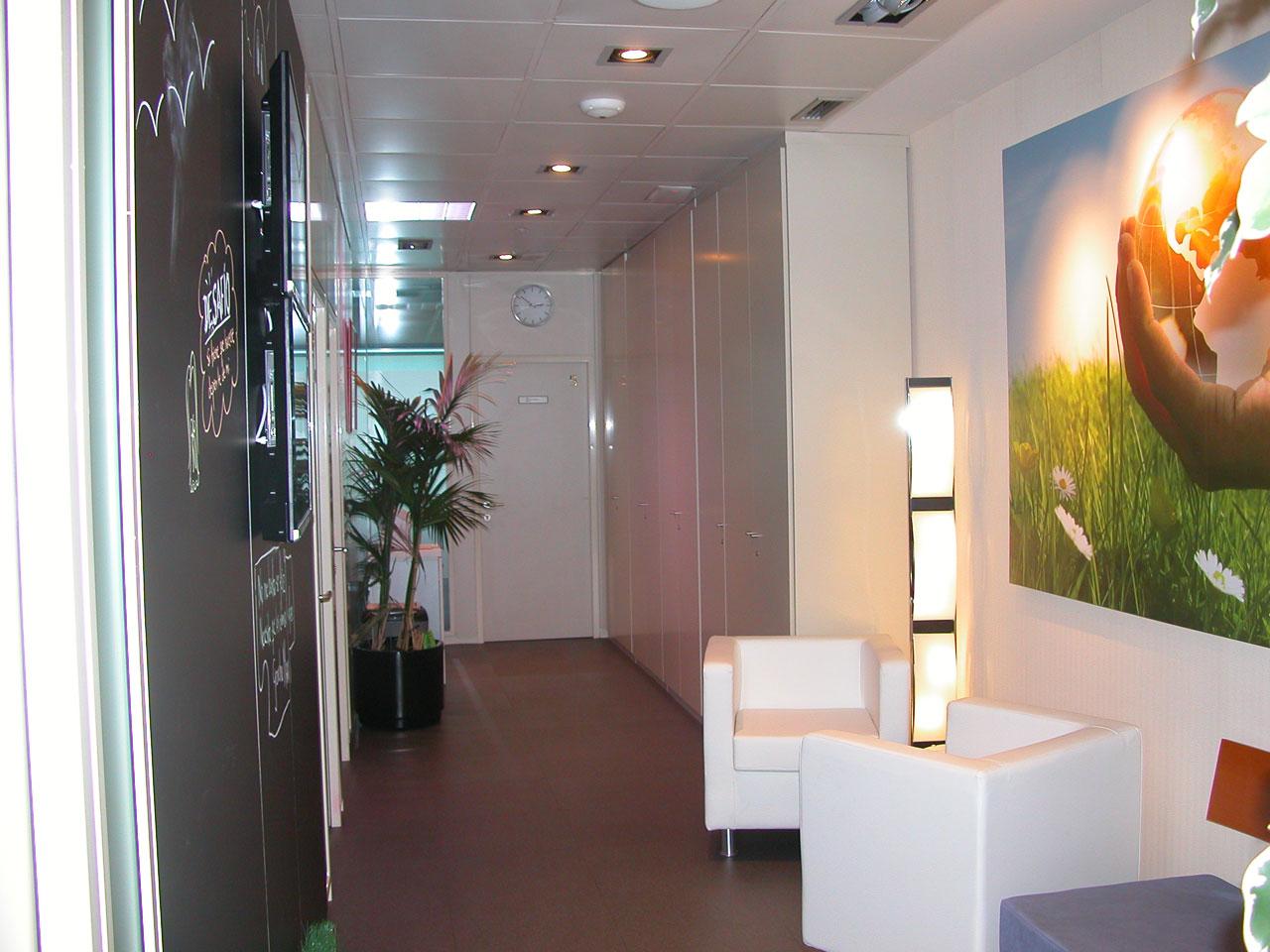 solplaza-centro-de-empresas-pasillo-vista5
